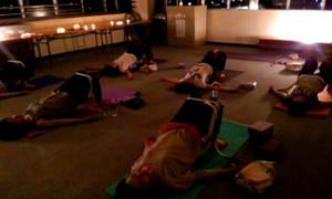 Candle_yoga1_2